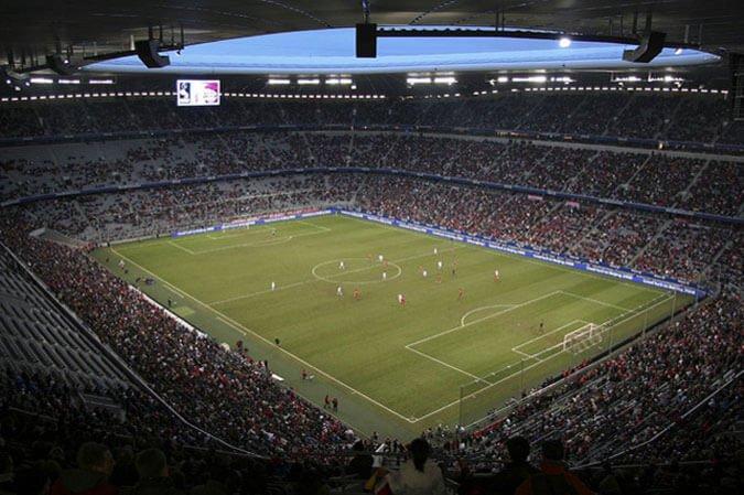 Fussball im DFB Pokal: FC Bayern München – FC Schalke 04